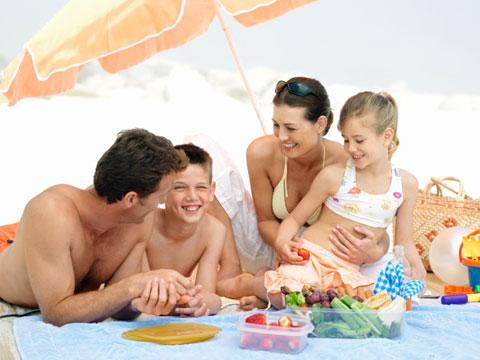 Bảo vệ sức khỏe khi đi du lịch mùa hè