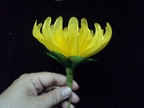 Hướng dẫn cách làm hoa cúc từ vải voan cho trang trí tết