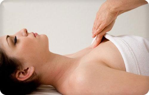 Hướng dẫn cách massage vòng 1 căng tròn cho phái nữ