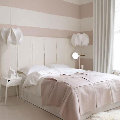 Không nên lạm dụng màu trắng để phòng ngủ bớt lạnh lẽo