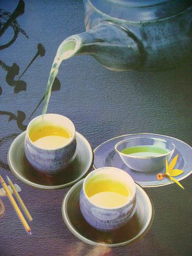 Làm trà sữa mật ong bổ dưỡng cho cả nhà