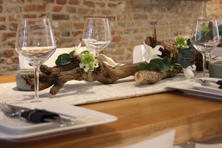 Những cách trang trí bàn ăn độc đáo đón giáng sinh