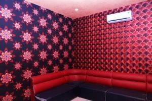 Sáng tạo độc đáo cho phòng karaoke với giấy dán tường 3d