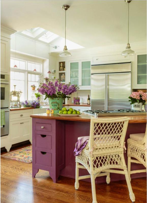 Trang trí hoa tươi cho nhà bếp đẹp và tươi sáng