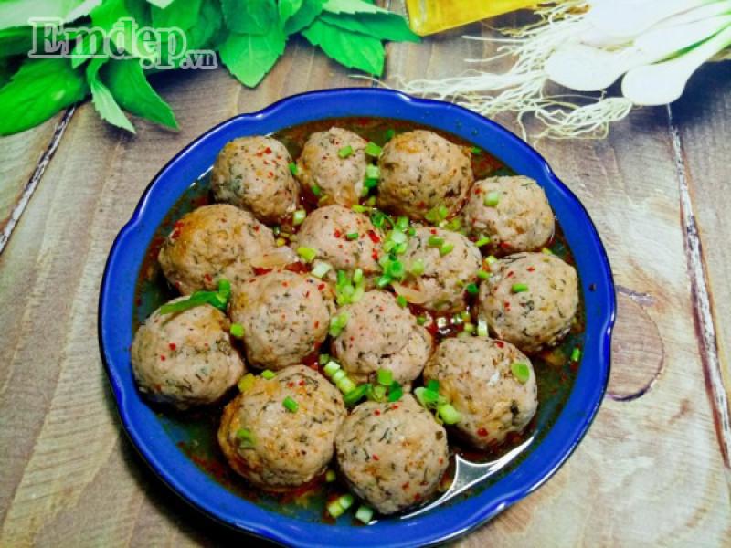 Học ngay món chả cá bọc trứng cút kho nước dừa